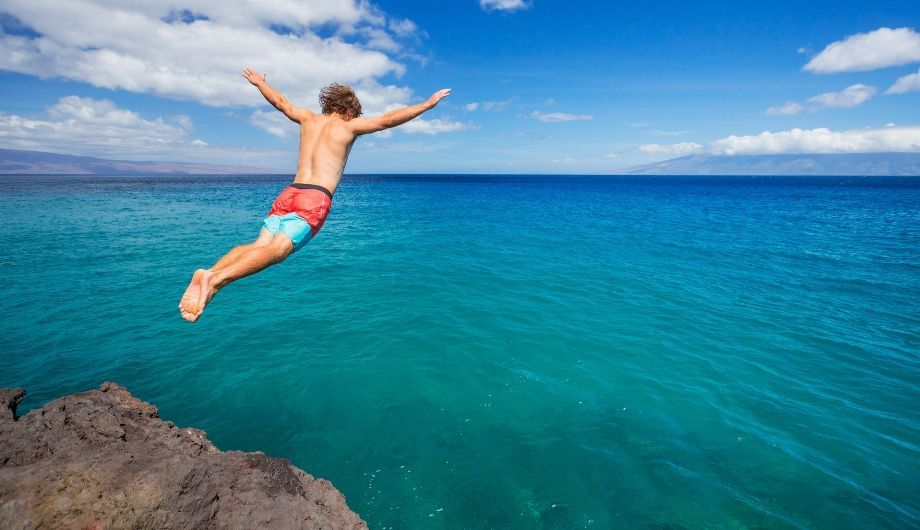 Cliff jumping - Easy-peasy Safety Tips for Beginners
