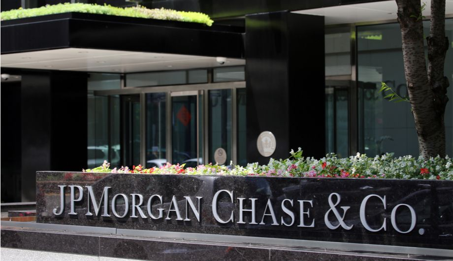 JPMorgan & Chase: the history, benefits and Chase career opportunities.