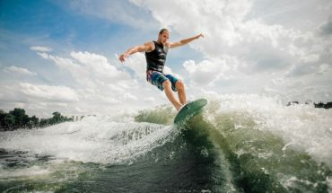A Crash Course in Wakeboarding for Beginners