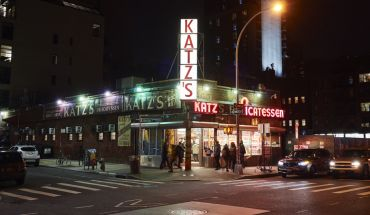 Best late-night Food in NEW YORK - NIGHTLIFE gems for your eating pleasure