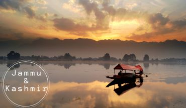 Couples Ride to A Paradise on Earth: Jammu and Kashmir