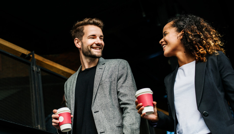 5 strategies for effortlessly CHARMING MEN eye contact