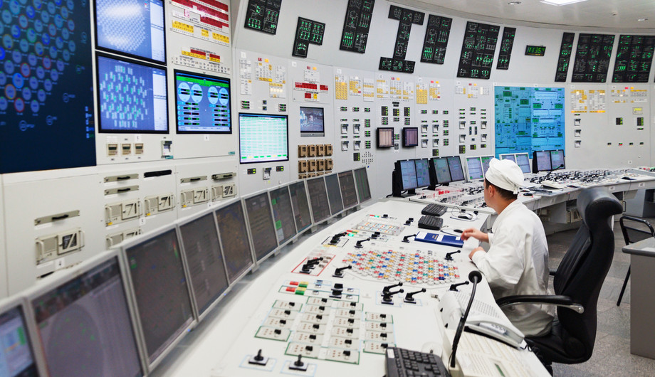 Nuclear Power Reactor Operator